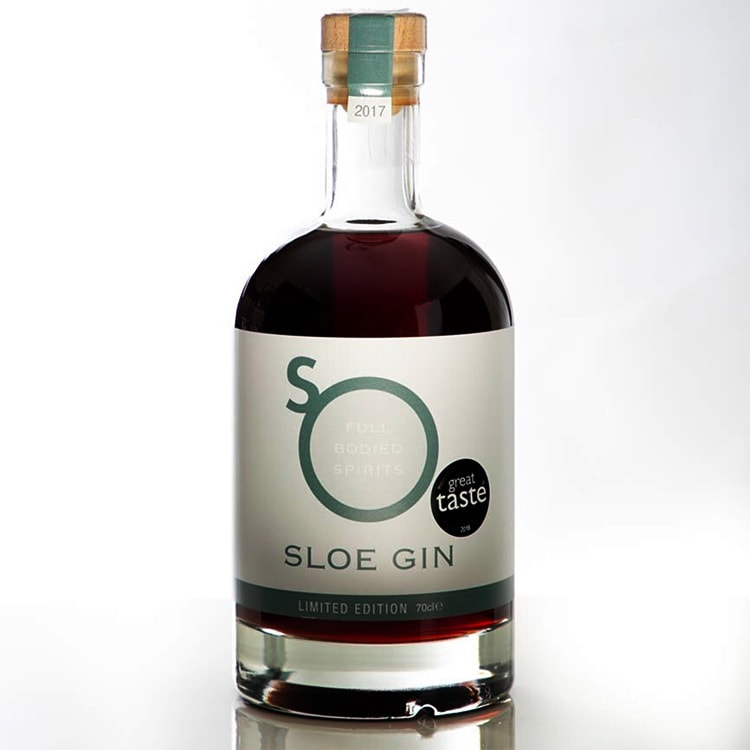 Hero shot of So Drinks Sloe Gin drink with great taste sticker
